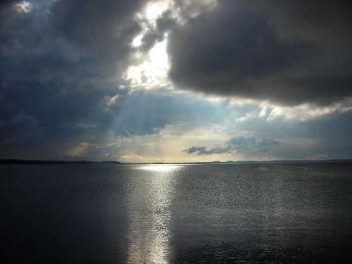 Lichtpegel auf dem Wasser © Astrologin Bärbel Zöller